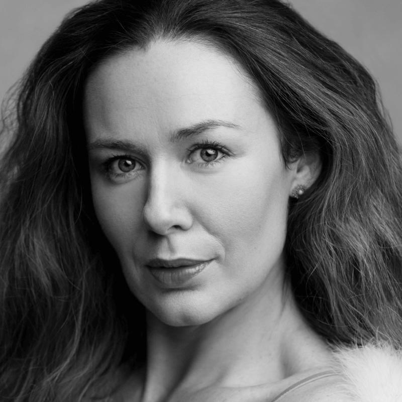 Katie Reddin Clancy British Voiceover Artist Headshots13