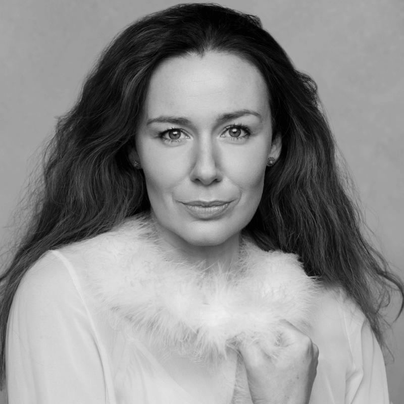 Katie Reddin Clancy British Voiceover Artist Headshots14