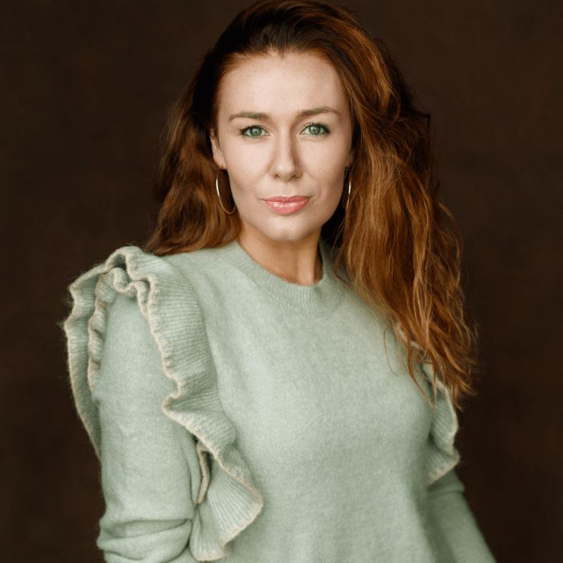 Katie Reddin Clancy British Voiceover Artist Headshots15
