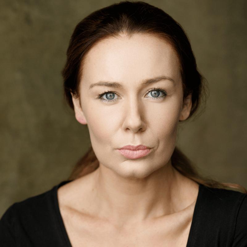 Katie Reddin Clancy British Voiceover Artist Headshots8