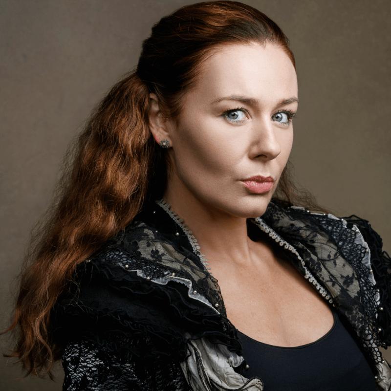 Katie Reddin Clancy British Voiceover Artist Headshots9