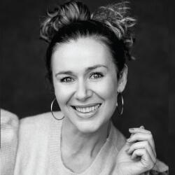Katie Reddin Clancy British Voiceover Artist Comedy Headshots 9