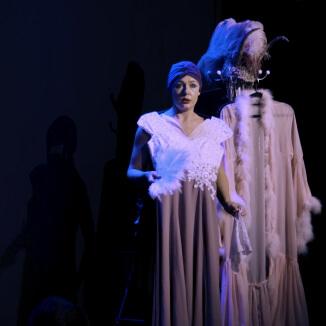 Katie Reddin Clancy British Voiceover Artist Shows Grace20